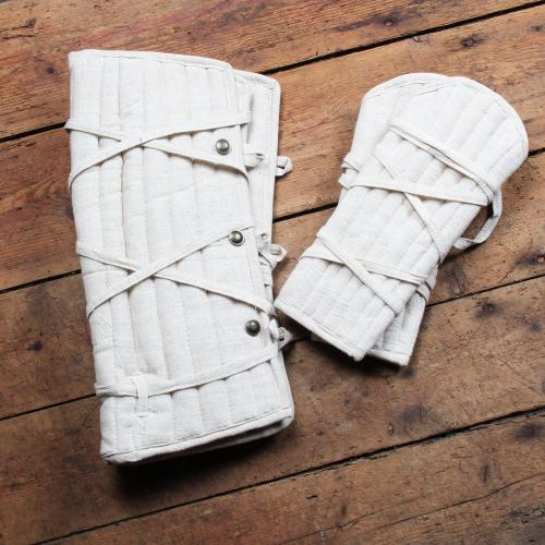 Eisenbrück set of padded greaves and bracers, nature